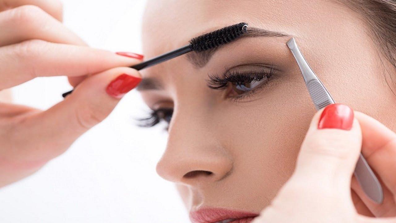 Лунный календарь коррекции бровей и перманентного макияжа на октябрь 2021 года
